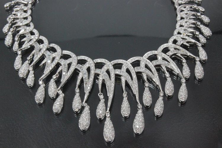 aLEm Necklace Royal Love  925/- Silver rhodium plated with white Zirconia and clasp with extension chain,