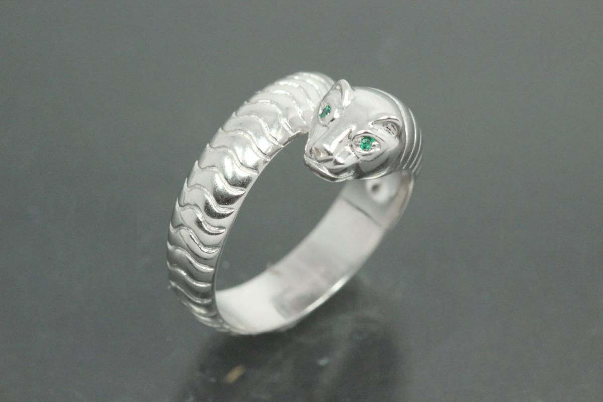 aLEm Ring Sneaking Tiger 925/- Silver rhodium plated, with white/emerald green Cubic Zirconia