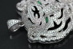 aLEm Pendant Tiger of Jungle 925/- Silver rhodium plated with round white and navett green emerald Zirconia,