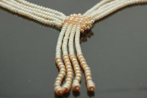 aLEm Freshwater Pearl Necklace
